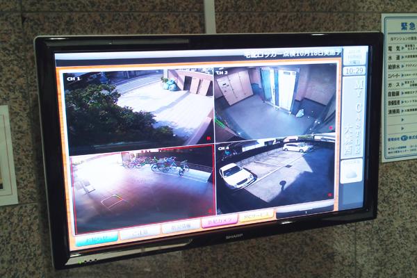 デジタルサイネージ サイネージリレーション サイネージ チケットセンター マンション エントランス 防犯